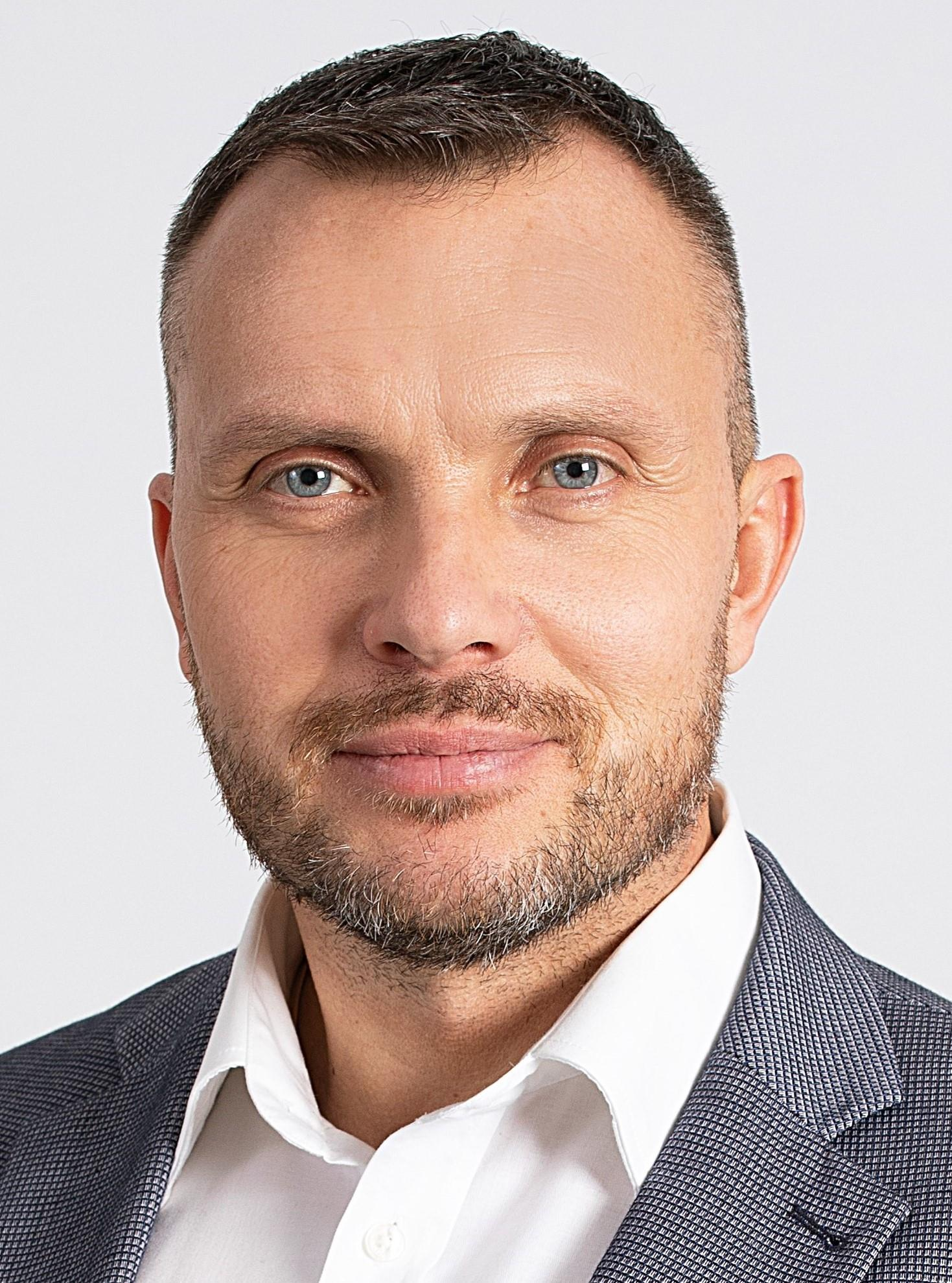 Suja, Miroslav